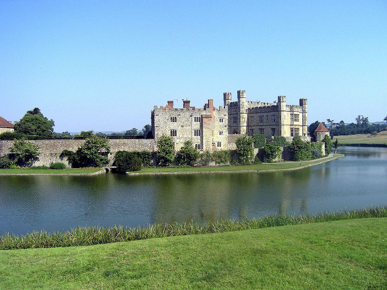 File Leeds Castle Maidstone Jpg Wikimedia Commons