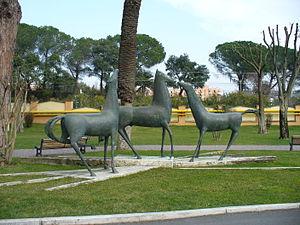 Ospedale San Filippo Neri - Roma - Statue cava...