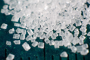 English: Macro photograph of a pile of sugar (...