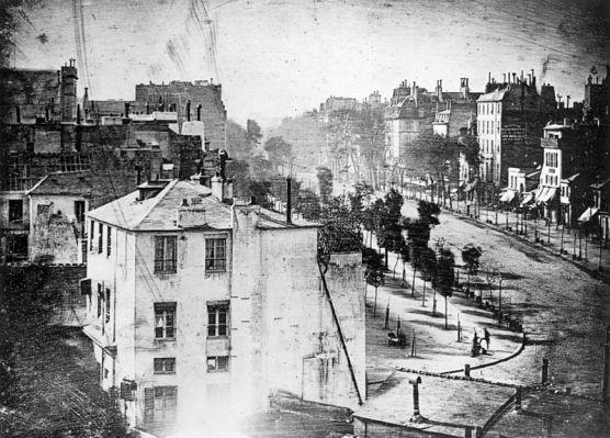 Ficheiro:Boulevard du Temple by Daguerre (unmirrored).jpg