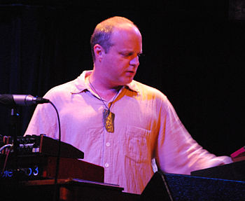 English: John Medeski. Concert with Medeski, M...