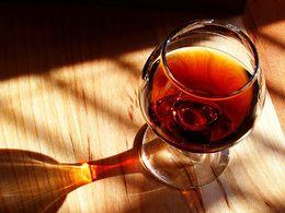 Um copo de vinho do Porto.