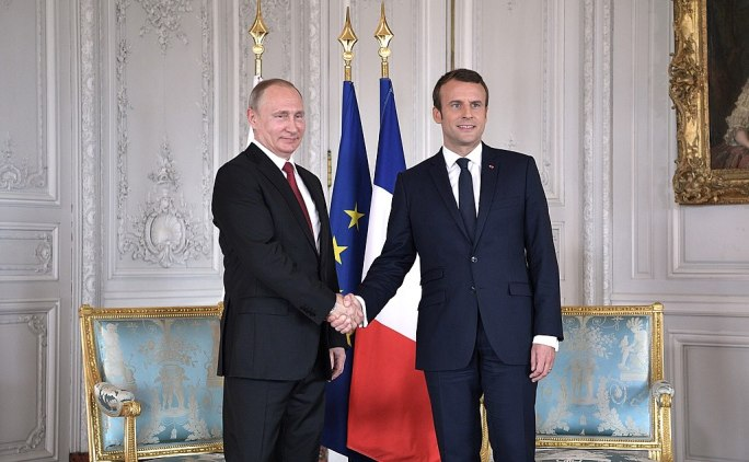 Vladimir Putin and Emmanuel Macron (2017-05-29) 04