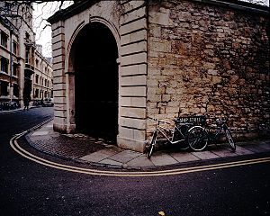 English: The Bath stone gateway to the Princip...