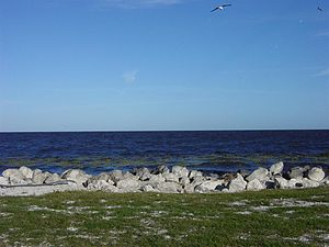 English: View looking across Lake Okeechobee f...