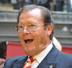 English: British actor Roger Moore in Espoo, F...