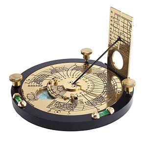English: Engraved brass horizontal sundial cor...