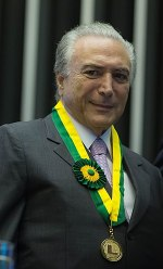 Michel Temer with the legislative merit medal, which proves his influence in the legislative power.