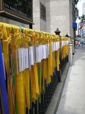Ribbons of prayer for the victims of the Iraq ...