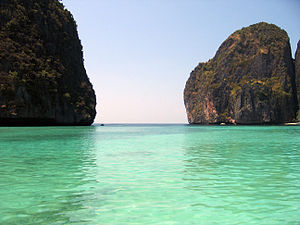 English: Maya Bay, Phi Phi Ley island, Thailan...