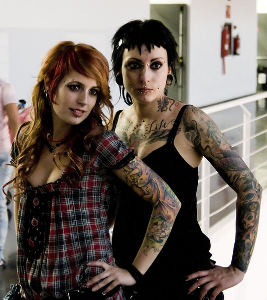 File:Multiple piercings and tattoos.jpg