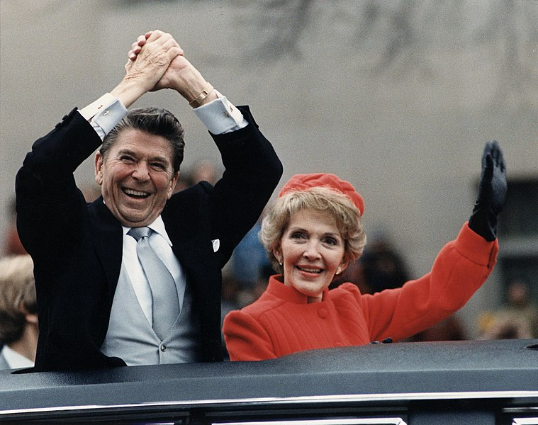 File:The Reagans waving from the limousine during the Inaugural Parade 1981.jpg