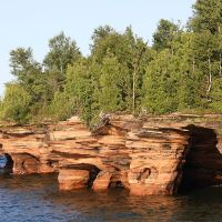 Lake Superior's Magical Ice Caves Accessible To Adventurers