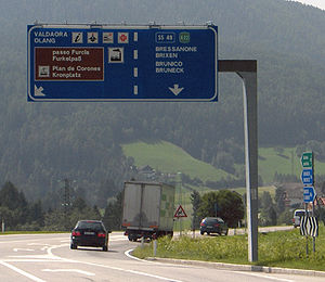 Bilingual local road sign in South Tirol (Olan...