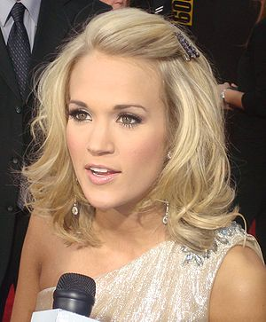 English: Carrie Underwood on the red carpet of...