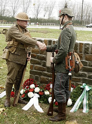English: Re-enactors Peter Knight and Stefan L...