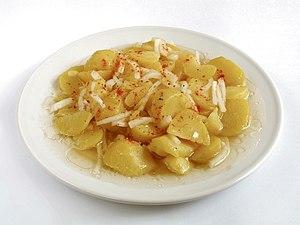 Kartoffelsalat, in Österreich auch Erdäpfelsalat