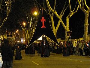 Español: Cabecera de la procesión de la Piedad...