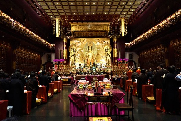 Buddha Tooth Relic Temple and Museum - www.joyofmuseums.com - interior