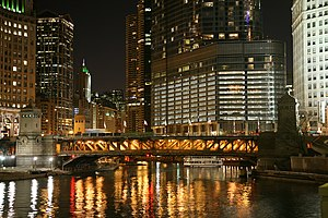 Deutsch: Chicago River bei Nacht English: Chic...