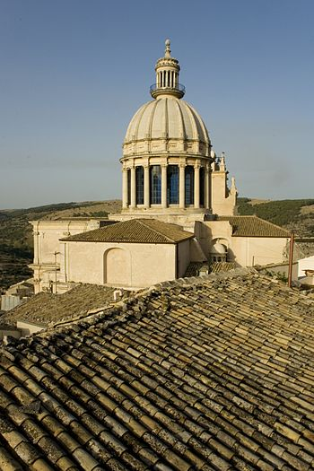 English: Dome of the cathedral of Ragusa Ibla ...