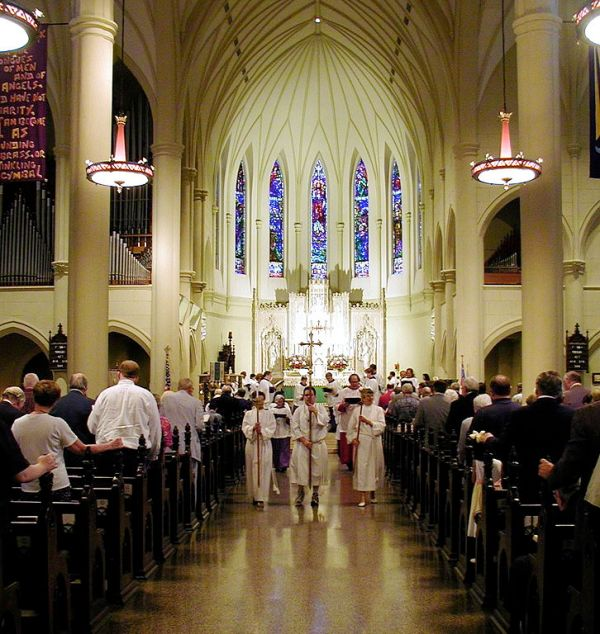 File:Procession at St. Marys Episcopal Cathedral.jpg ...