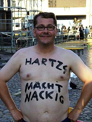 """Deutsch: """"Hartz 4 macht nackig""""."""