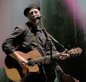 Richard Thompson at Cropredy Festival, 2005