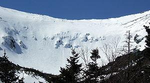 English: Skiers in Tuckerman Ravine bowl, Mt W...
