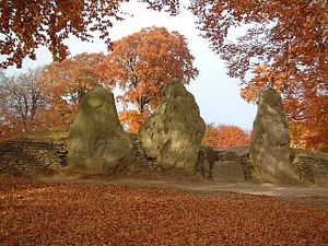 English: Wayland Smithy in Autumn Taken in a l...