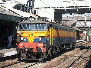 English: WCAM- 3 locomotive at Kurla . It is D...
