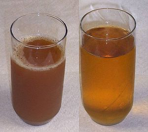 Left: sweet cider. Right: apple juice.