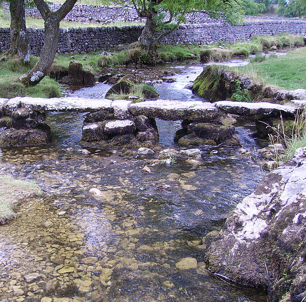 File:Malham Cove small bridge.JPG
