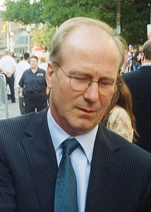 William Hurt signing autographs at the 2005 To...