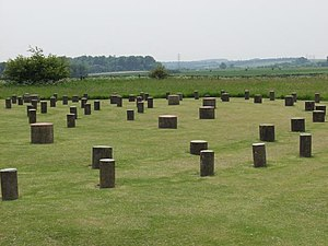 English: Woodhenge. Concrete pillars mark wher...