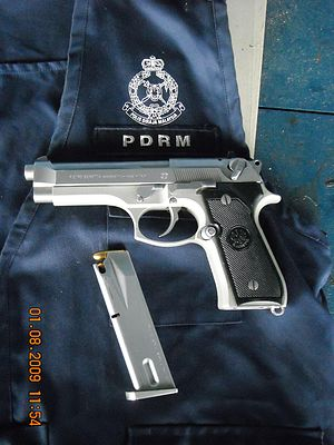 English: A Beretta 92FS, belonging to Royal Ma...