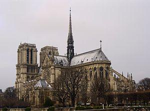 English: Notre-Dame de Paris, view from Pont d...