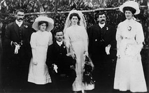 English: Woodward family wedding, 1911 William...