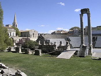 English: Roman theatre in Arles (France) Deuts...