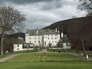 English: Traquair House. The oldest inhabited ...