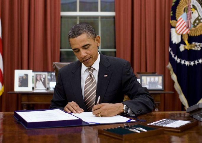 Obama signs FDA Food Safety Modernization Act cropped