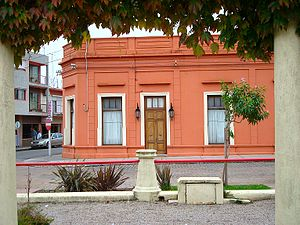 English: An old house by the Rambla de los Con...