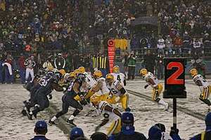 English: Packers on offense during a Monday Ni...