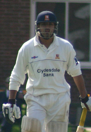 Ravinder Bopara playing for Essex against Camb...