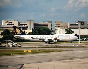 English: Singapore Airlines Boeing 747-400 (9V...
