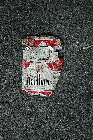 Trampled Marlboro Cigarettesbox