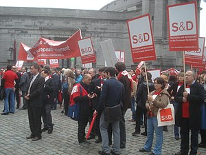 English: Members of the Socialists and Democra...