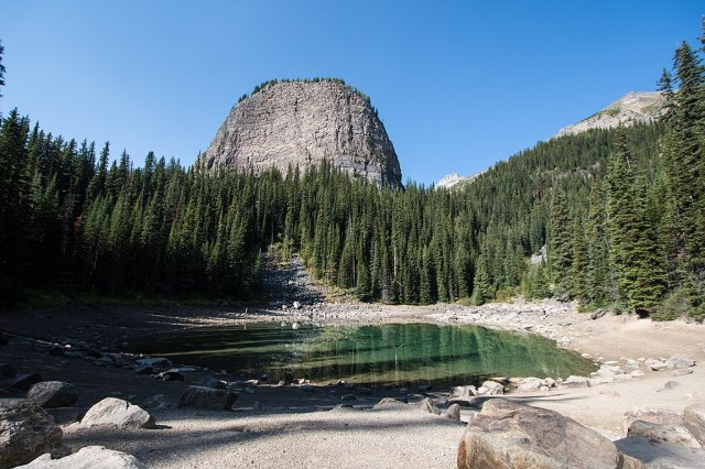 Mirror Lake with Big Beehive - Banff (33183188493)