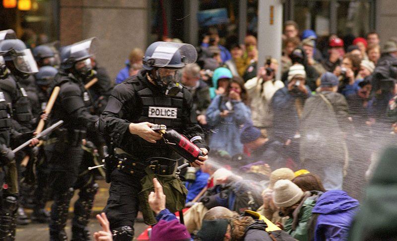 Gas de pebre del WTO contra la veritat, Seattle 1999.