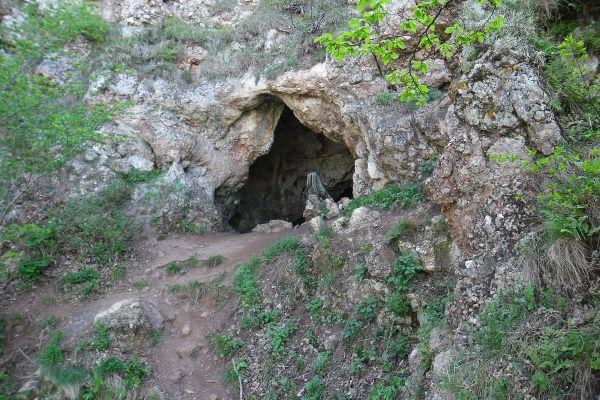 МАН (пещера) — Википедия